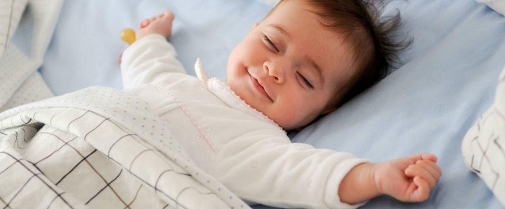 Neonato Dorme Solo In Braccio.Metodi Per Far Dormire I Bambini Paginemamma