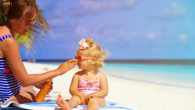 Come esporre i bambini al sole - Paginemamma 562a05a82afd