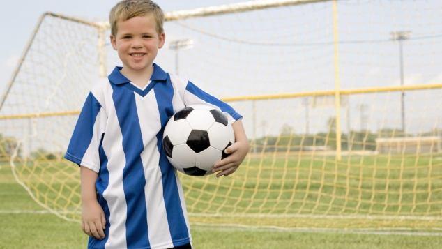 Immagini Di Calcio Per Bambini : Il calcio per i bambini quando iniziare paginemamma
