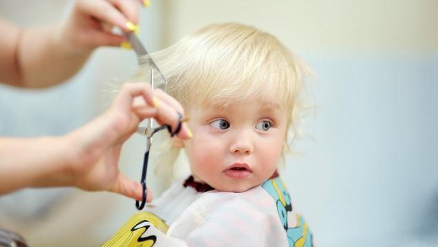 Tagli Di Capelli Per Bambini Piccoli : Come tagliare i capelli a un bambino paginemamma