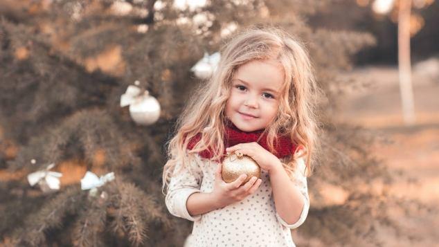 Immagini Natalizie Con Bambini.Come Vivere Il Natale Con I Bambini Paginemamma