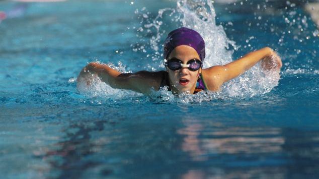 Il nuoto per i bambini paginemamma - Bambini in piscina a 3 anni ...